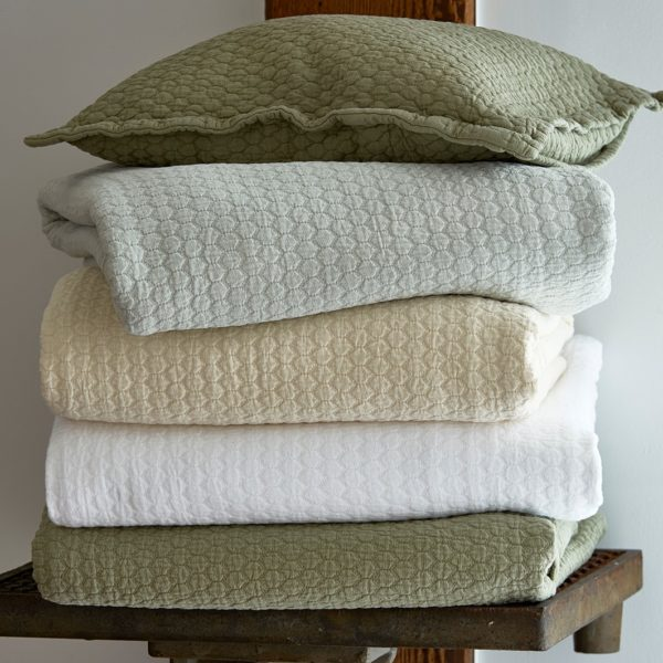 Tracey Coverlets Seaglass Cream White Sage