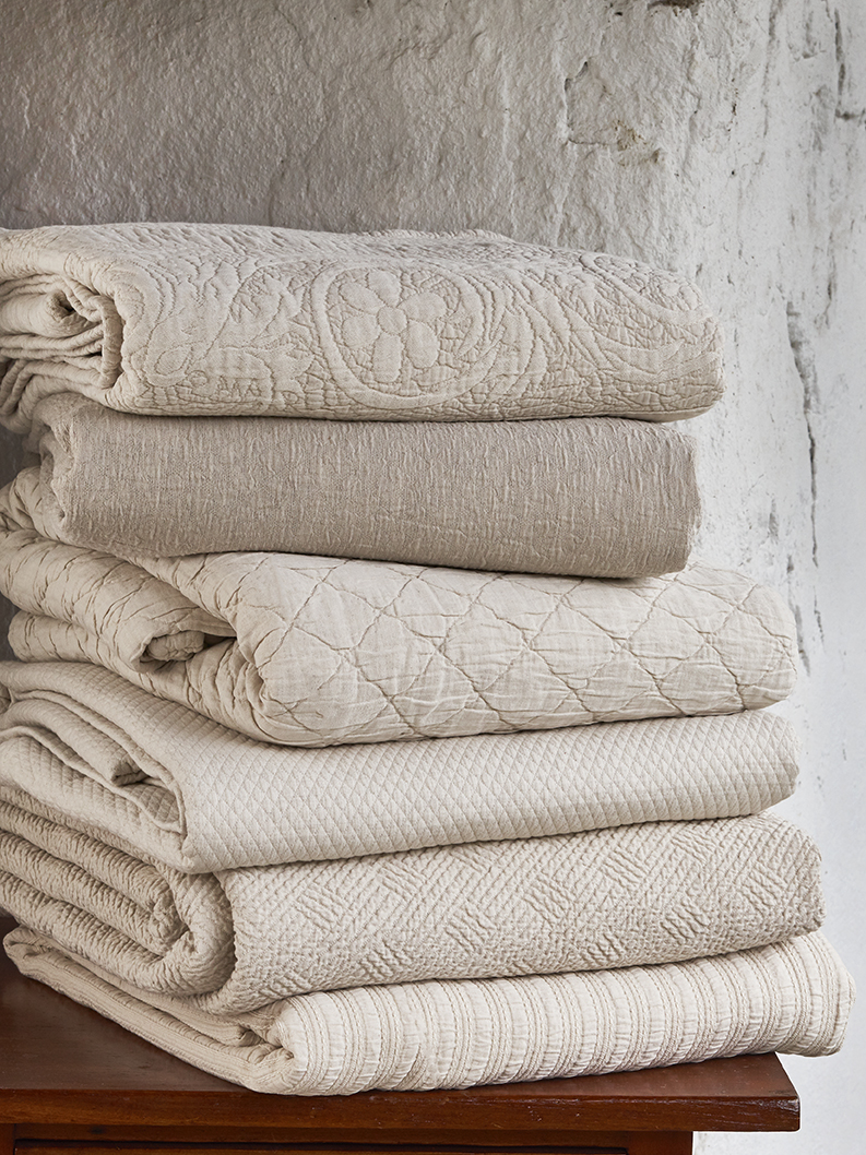 Coverlet stack