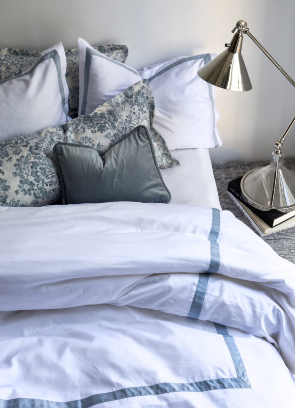 Charlie White Sateen with Winter paired with Evelyn and Como Mist 1