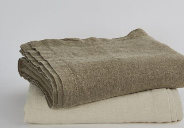 Catalina Blankets crop