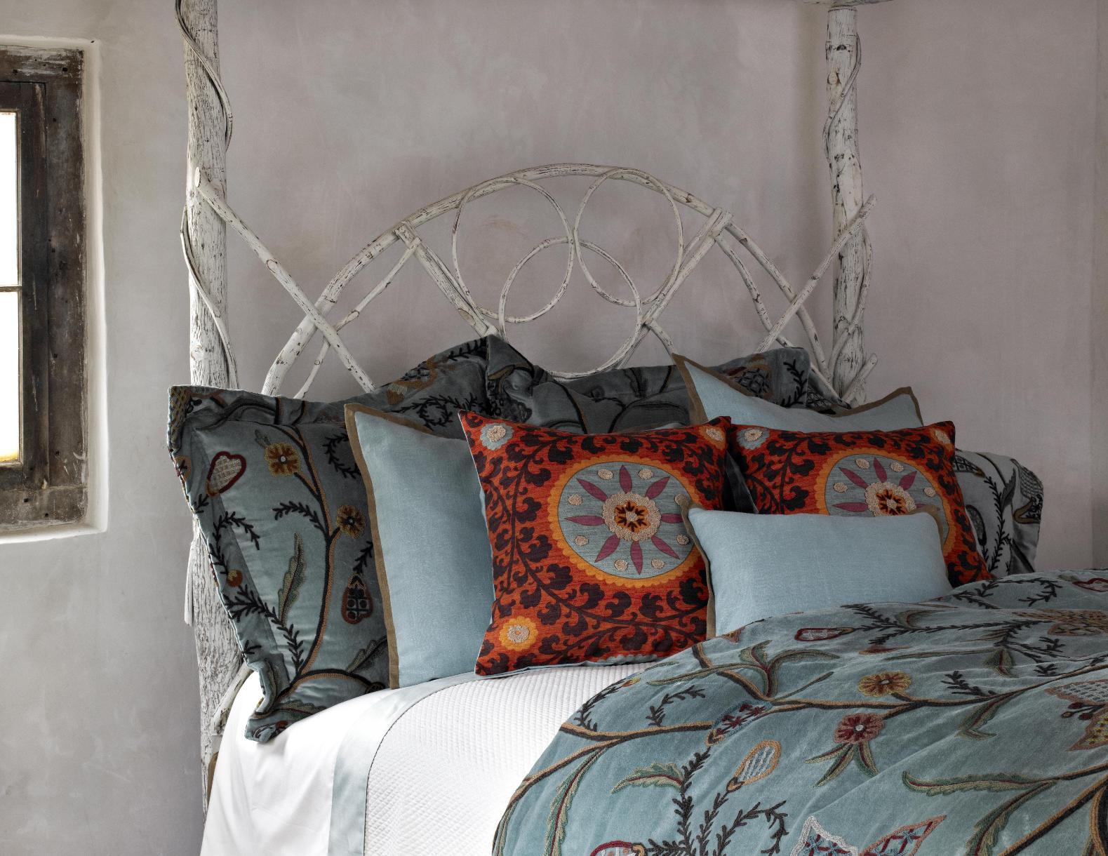 Bella Bed Close Up