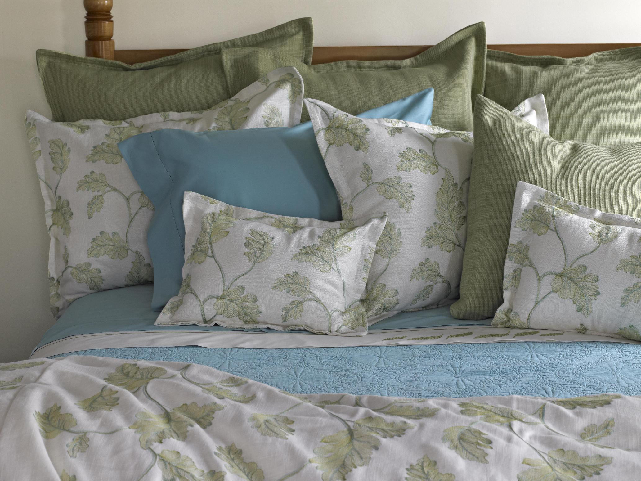 Leaf Whisper Bed