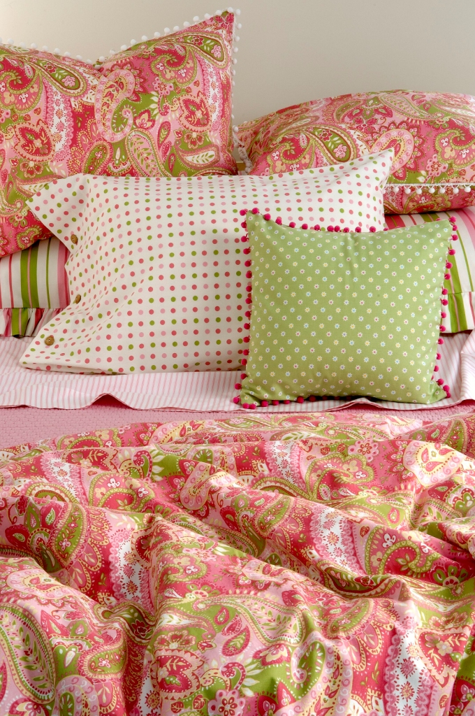Traditions Gypsy Bed